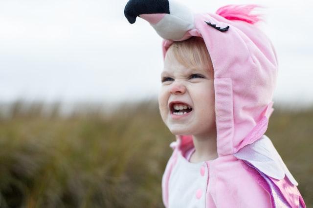 bambina mostra rabbia crisi psicologo infantile