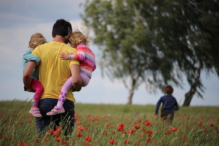 padre figli in relazione esclusione